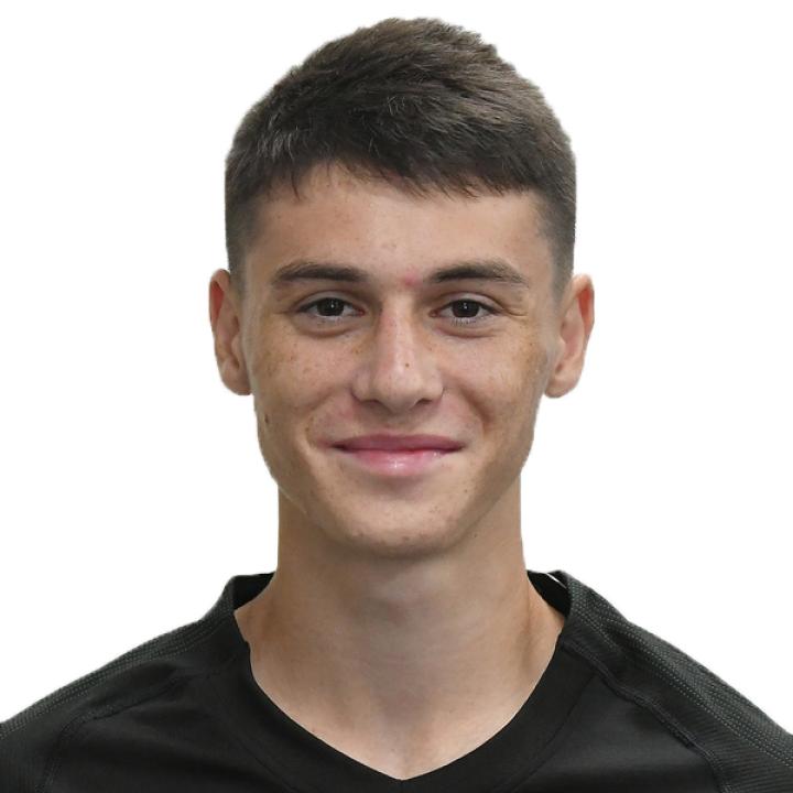Руслан Апеков