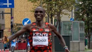 Золотой финиш легендарного Кипчоге в марафоне на Олимпиаде-2020
