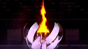 Как зажигают олимпийский огонь на церемонии открытия Олимпиады-2020 в Токио: Наоми Осака (видео)