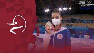 Церемония награждения. Художественная гимнастика (жен). Линой Ашрам (Израиль). Дина Аверина (ОКР). Алина Горносько (Белоруссия). Олимпиада-2020. Видео