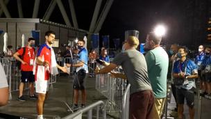 Теннисист Джокович РАСПСИХОВАЛСЯ и отказался отвечать журналистам после поражения от россиян на Олимпиаде