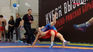 Провел КОРОННЫЙ БРОСОК — Власов уверенно победил Кадирова на Кубке Вызова 1