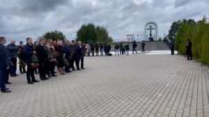 В Ярославле плачут по «Локомотиву». Памятная церемония на месте падения самолета Як-42